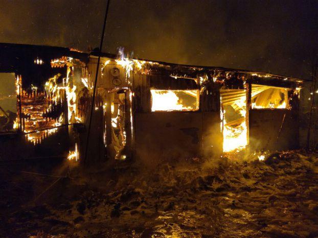 Строение сгорело ночью в Быковке