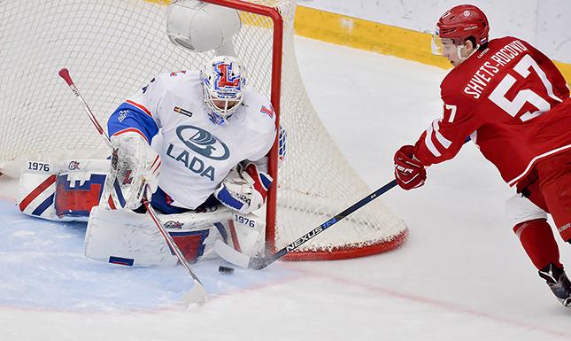 Хоккейная «Лада» уступила втретьем матче подряд