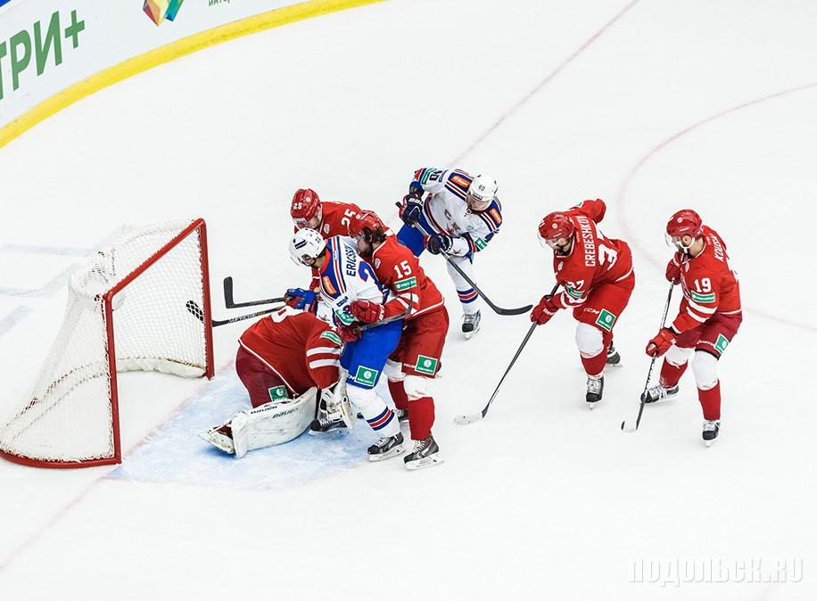 """Игровой момент. Хоккейный матч Матч """"Витязь"""" - СКА. 30.10.14."""