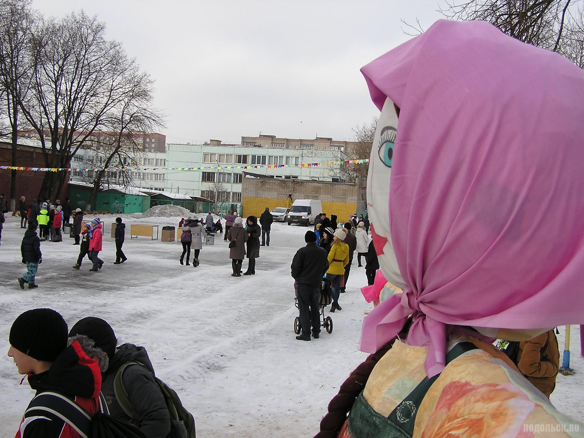 У техникума 21.02.2015.