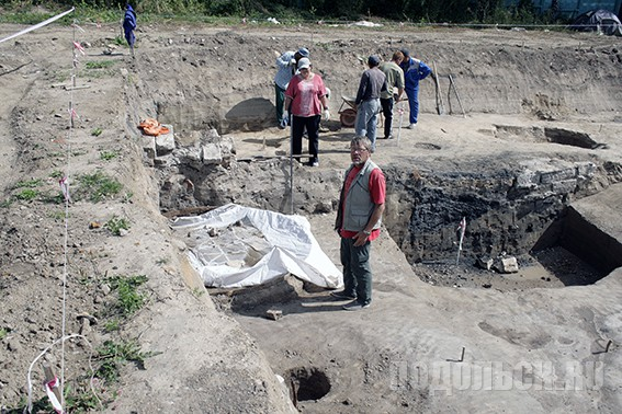 Археологические раскопки у военкомата. Август 2015 г.