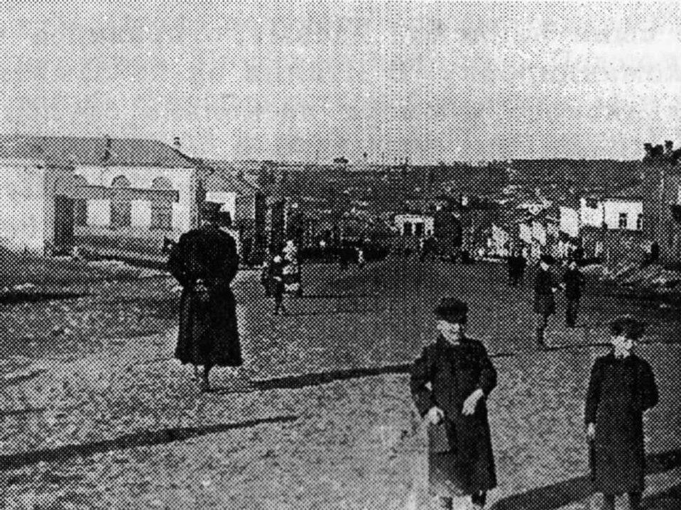 Подольск ул. Большая Серпуховская на спуске к мосту через реку Пахру. Фото между 1900-1917 гг.