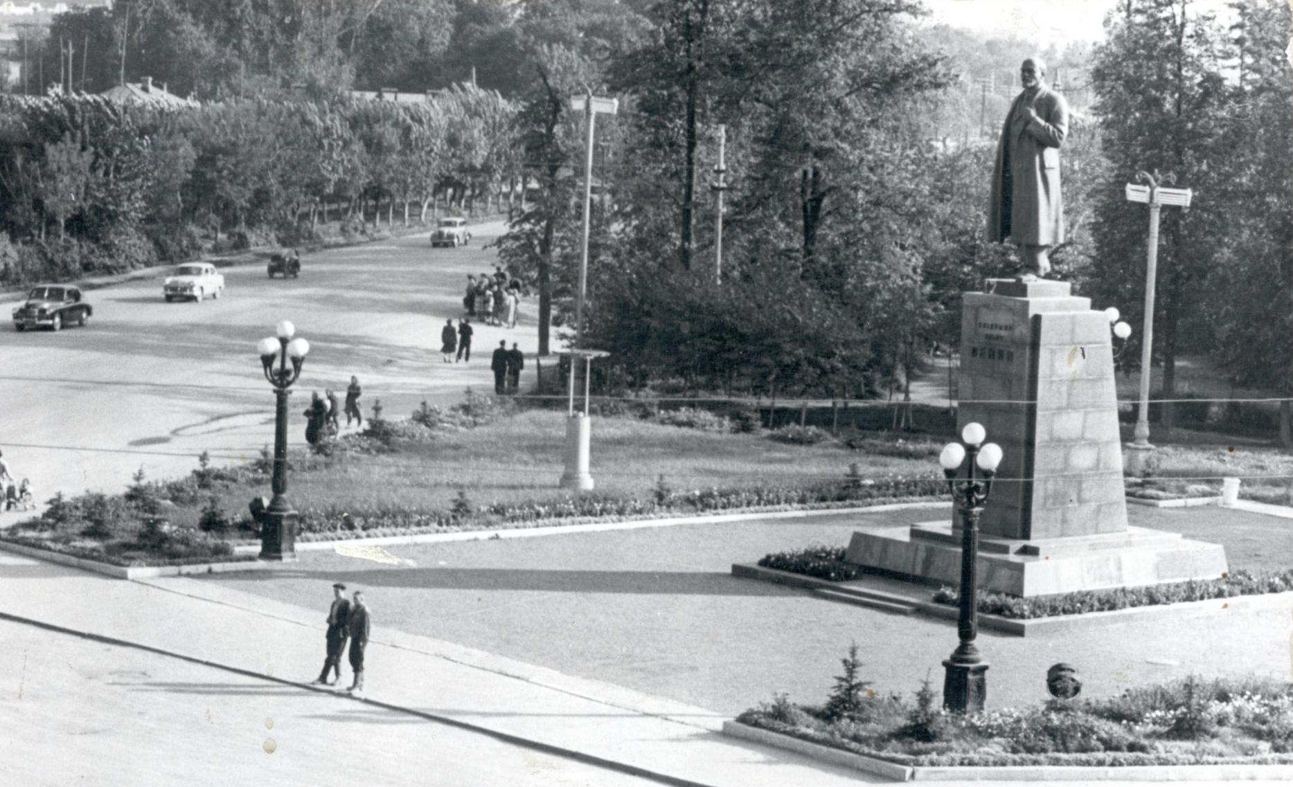 Подольск, площадь В.И. Ленина. 1960-1961 гг.