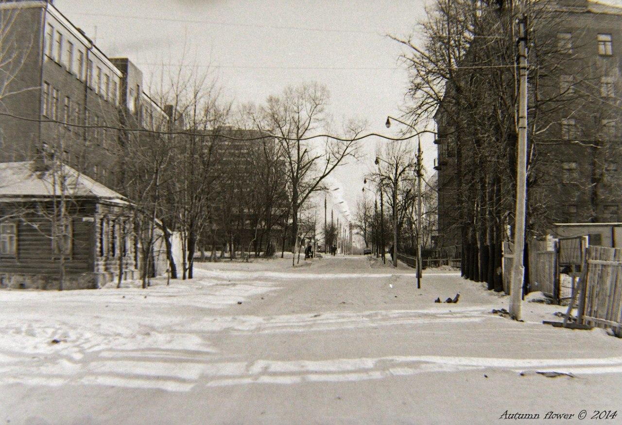 Подольск, улица Комсомольская. Вид от пересечения с Малой Зелёновской (на Большую Зелёновскую). Середина 1970-х годов.
