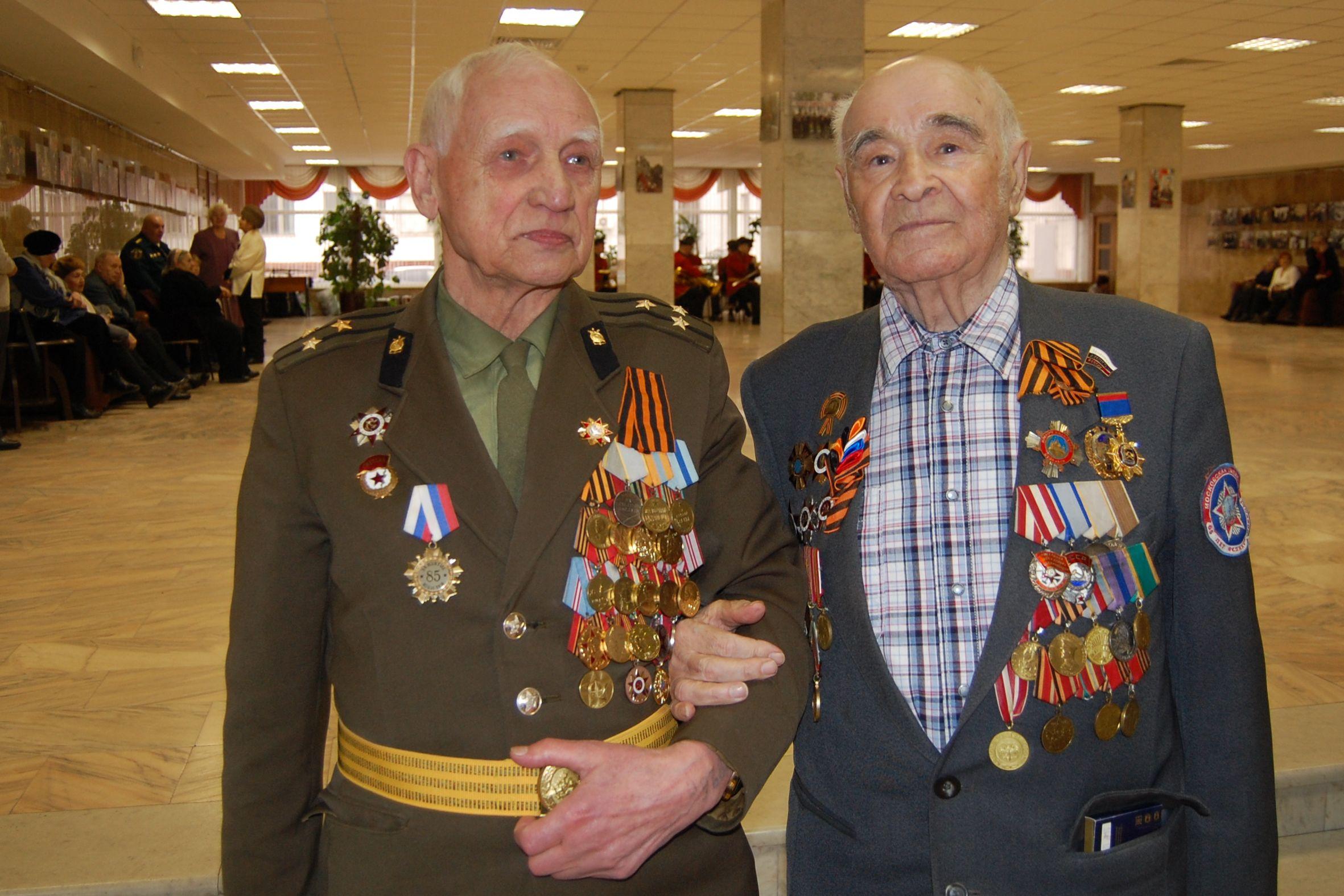 Ветераны войны в концертном зале администрации. 2016 г.