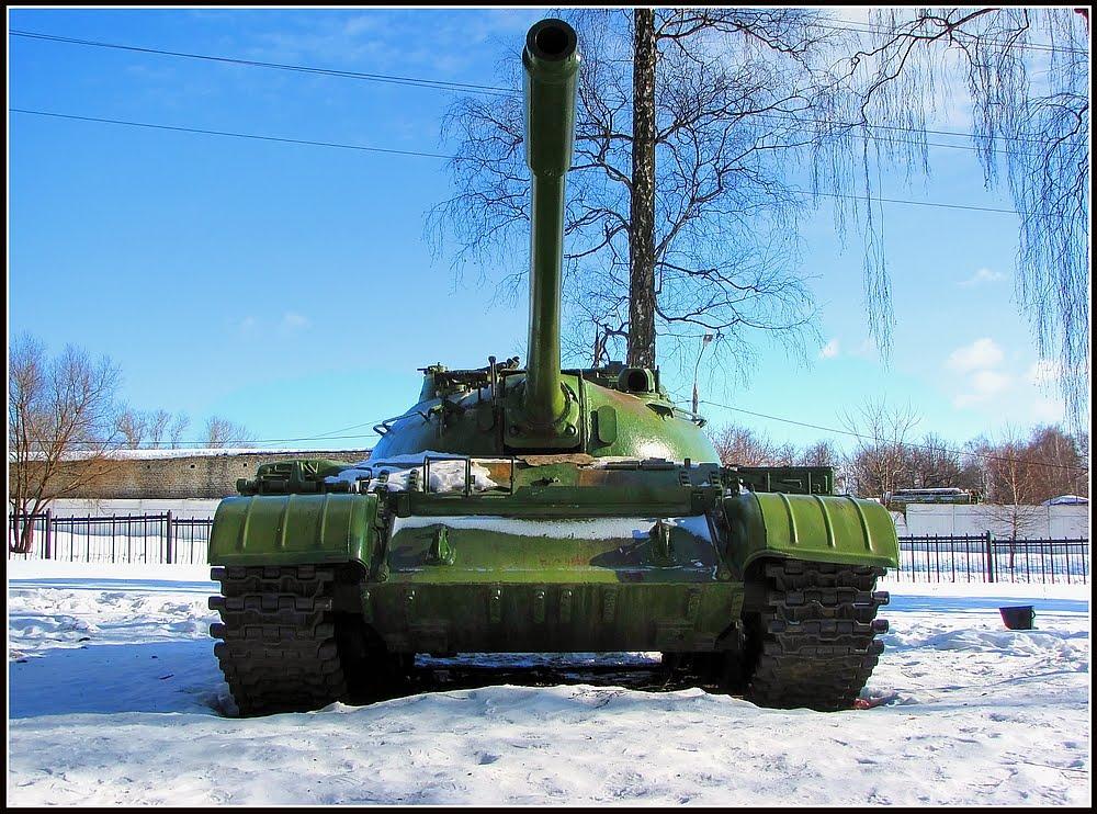 Танк  Т-55  в  Кузнечиках