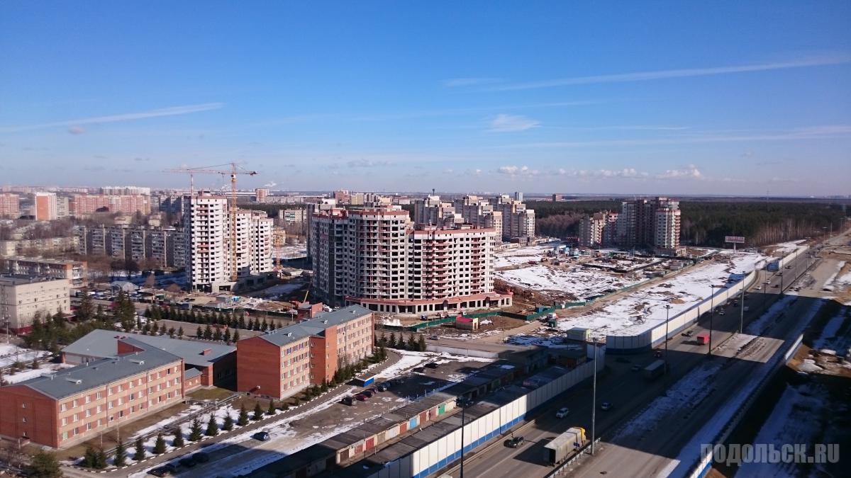 "Вид на ЖК ""Бородино"" из ЖК ""Весенний"". Март 2016 г."