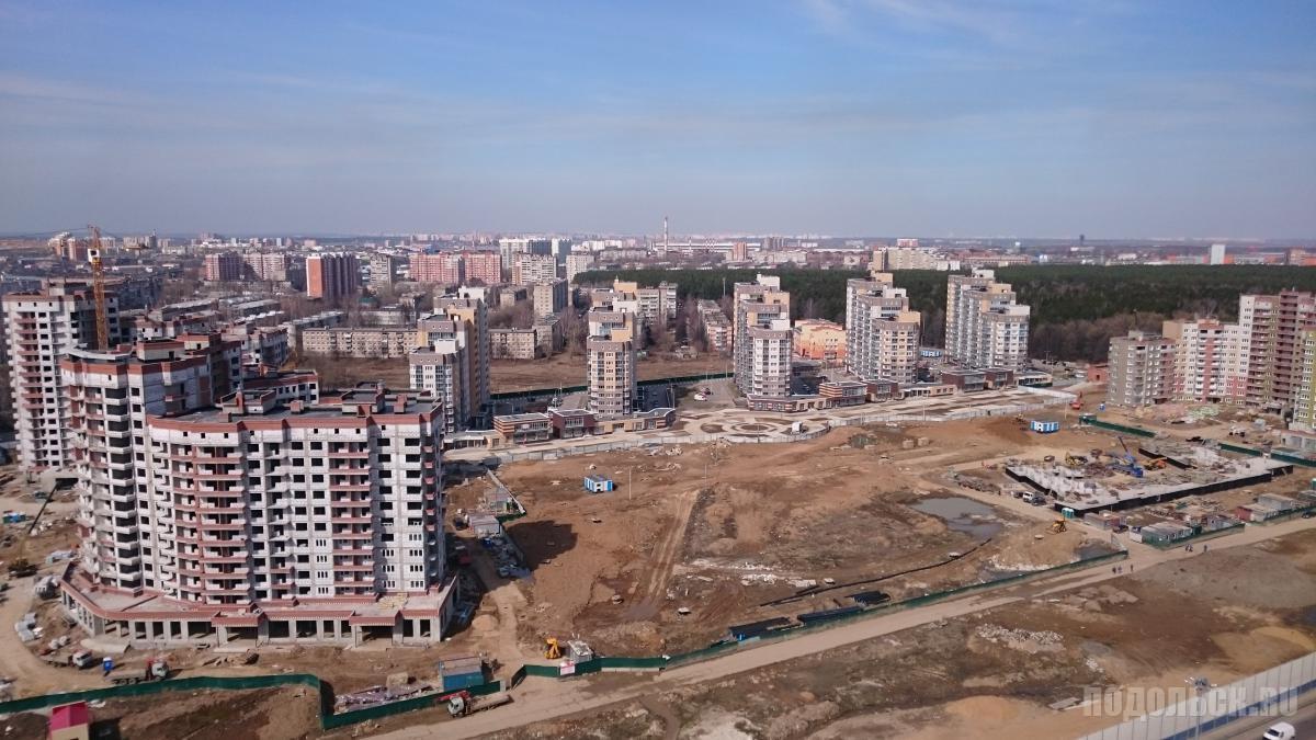 "Вид на ЖК ""Бородино"" из ЖК ""Весенний"". Апрель 2016 г."
