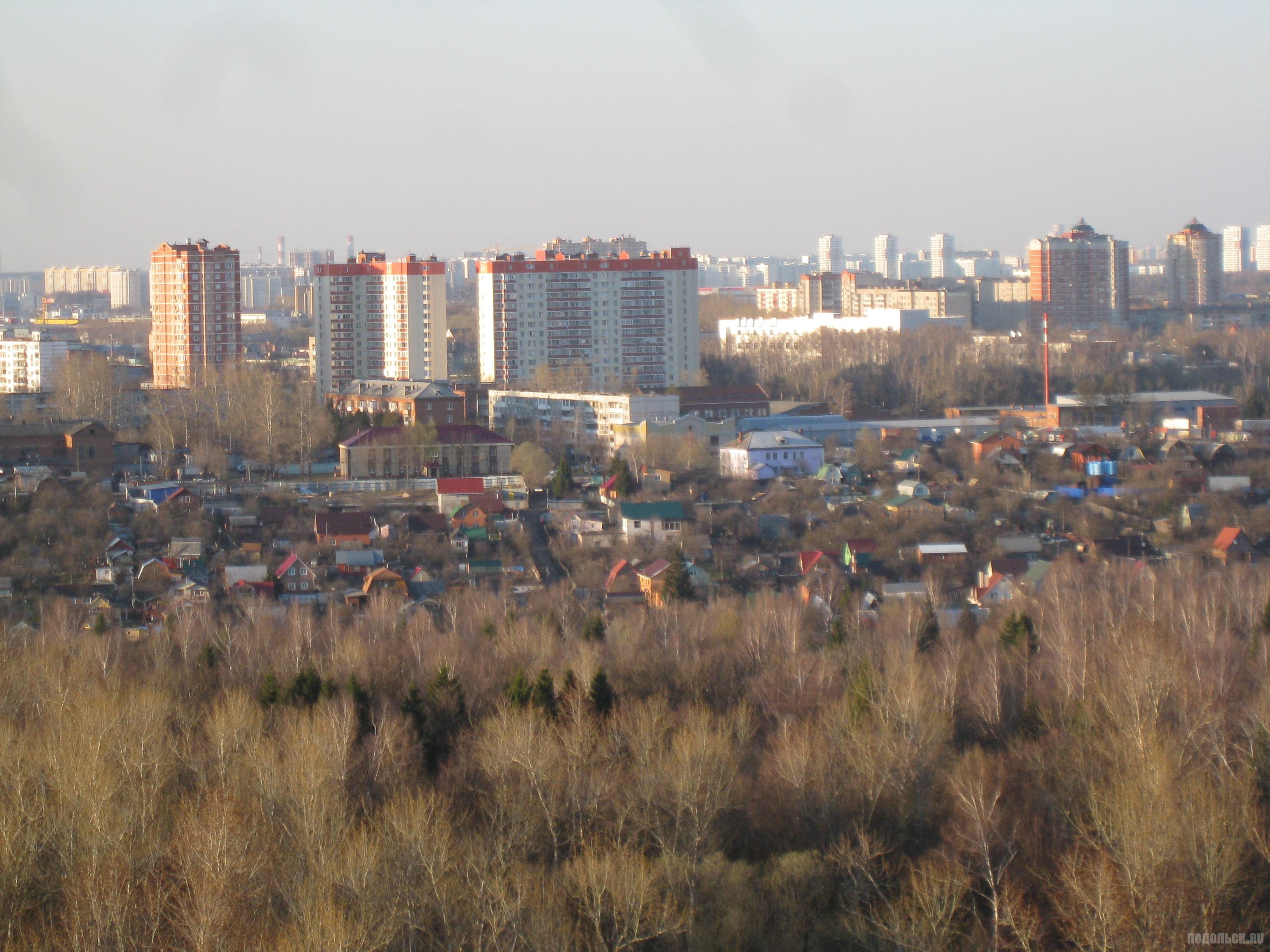 Вид с Садовой улицы в сторону кладбища. Апрель 2016 г.