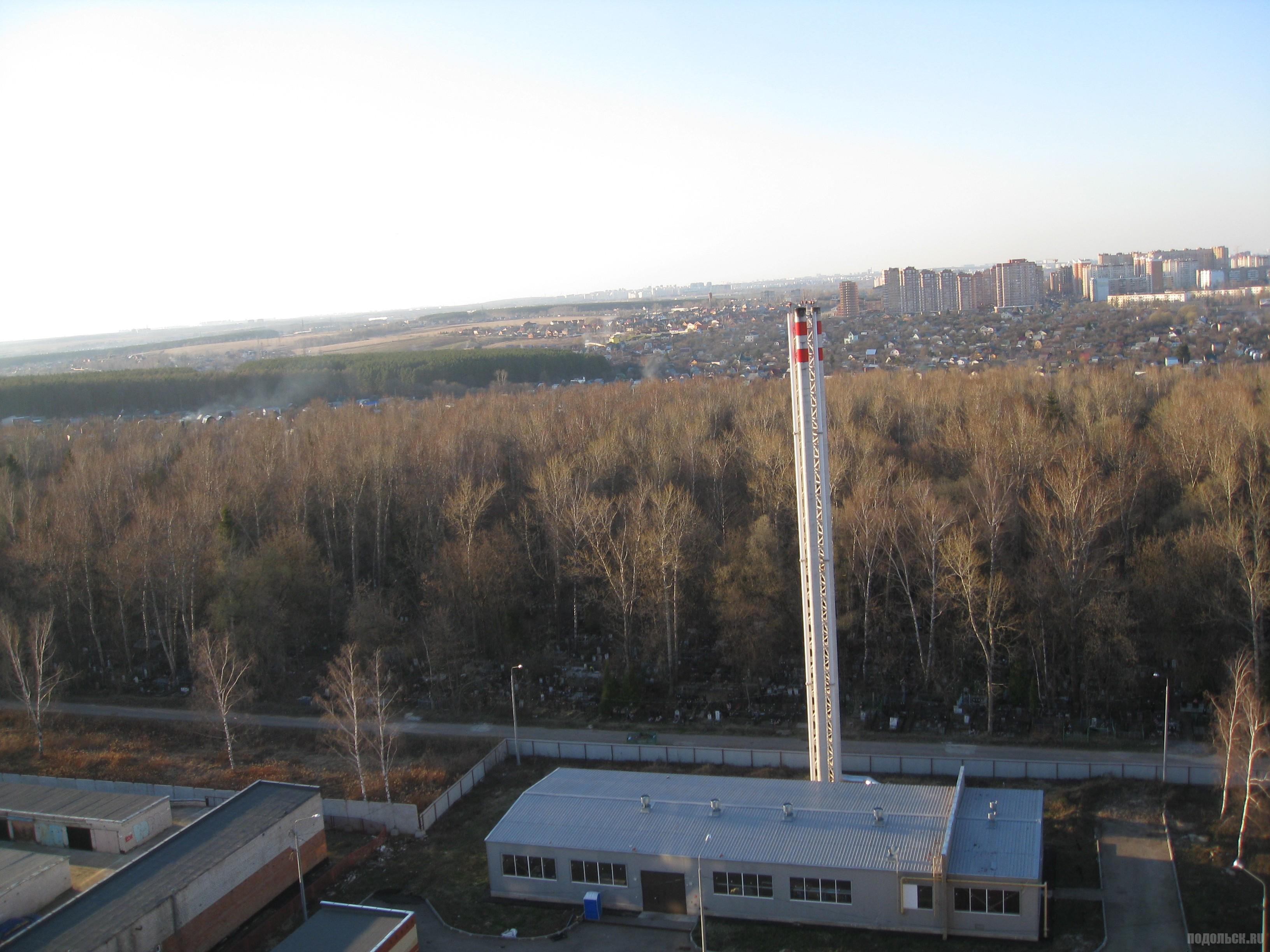 Котельная на Садовой, вид на кладбище. Апрель 2016.