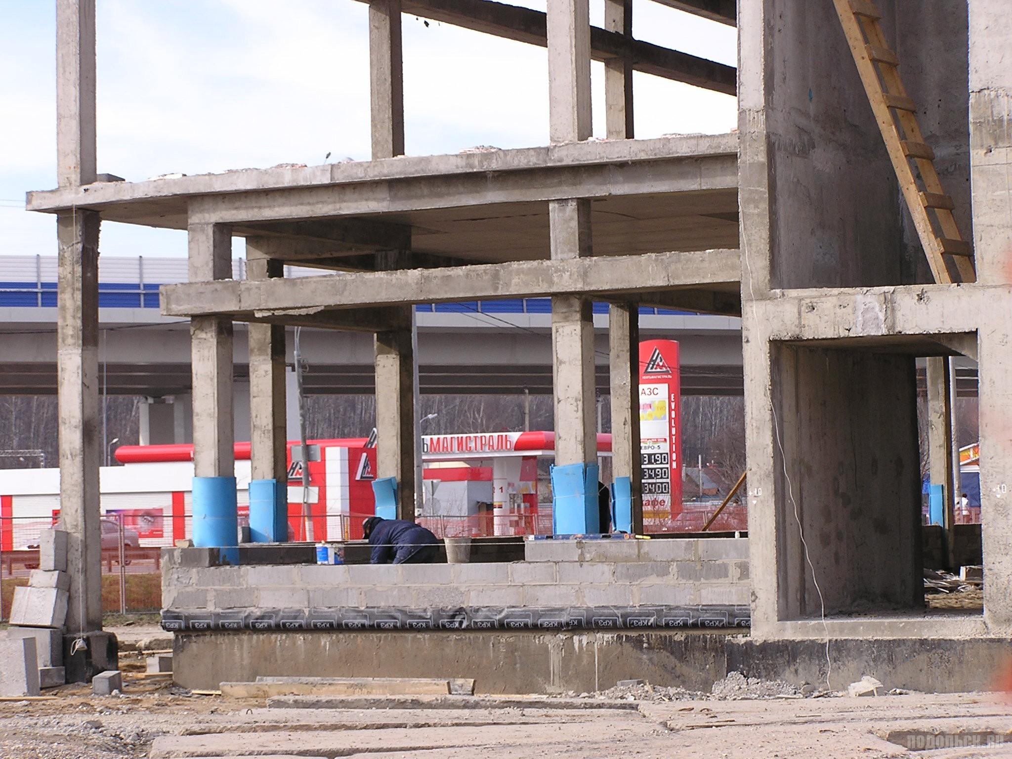 """Строительство """"Макдоналдса"""" в Климовске. 18.04.2016."""
