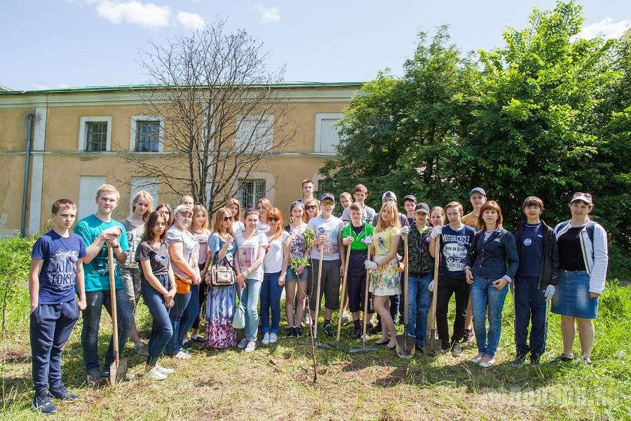 Первая смена трудового лагеря «Юность» открылась в усадьбе Ивановское. 1 июня 2016 г.