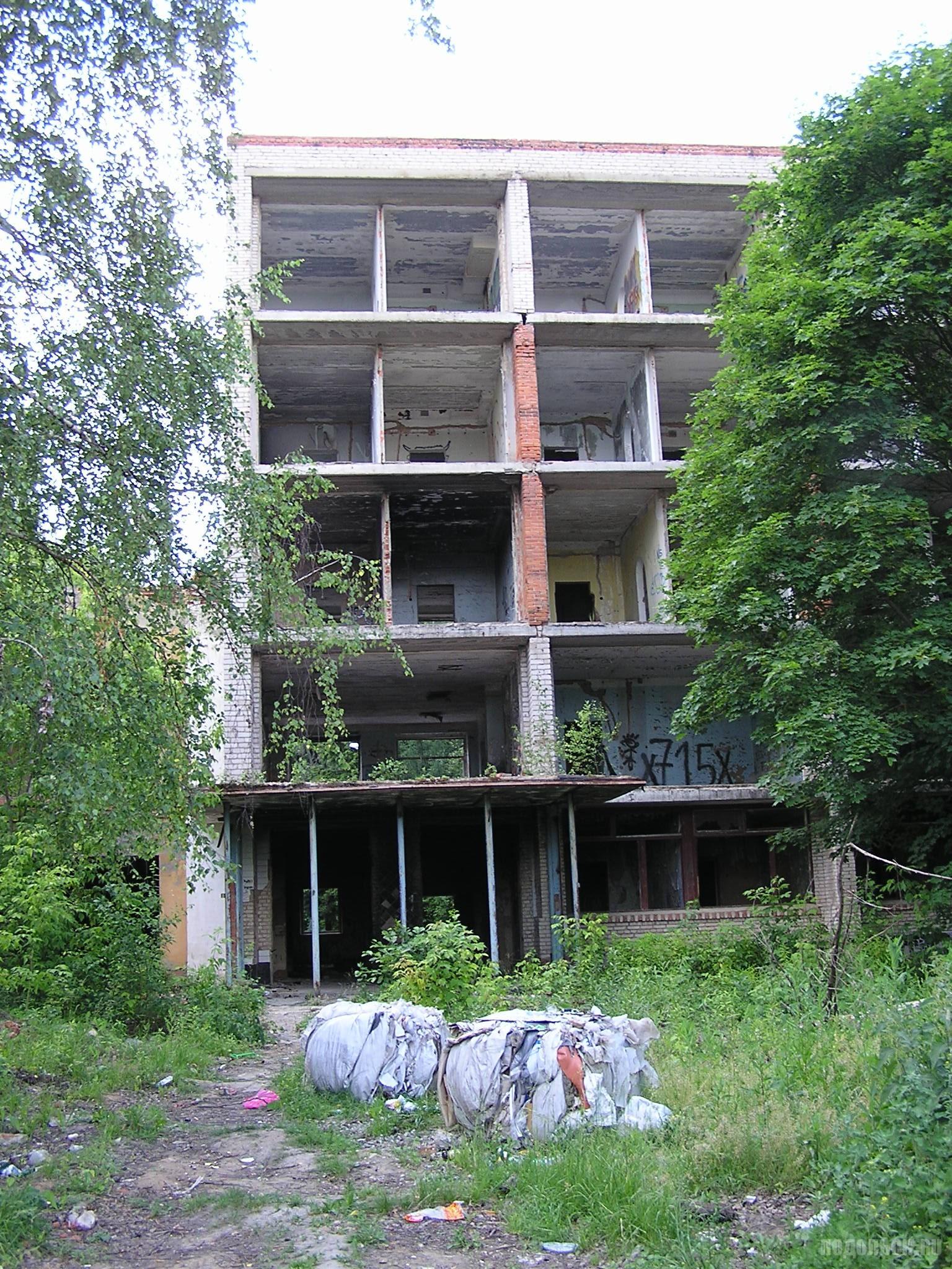 Бывший профилакторий в д. Лаговское. 27.06.2016.