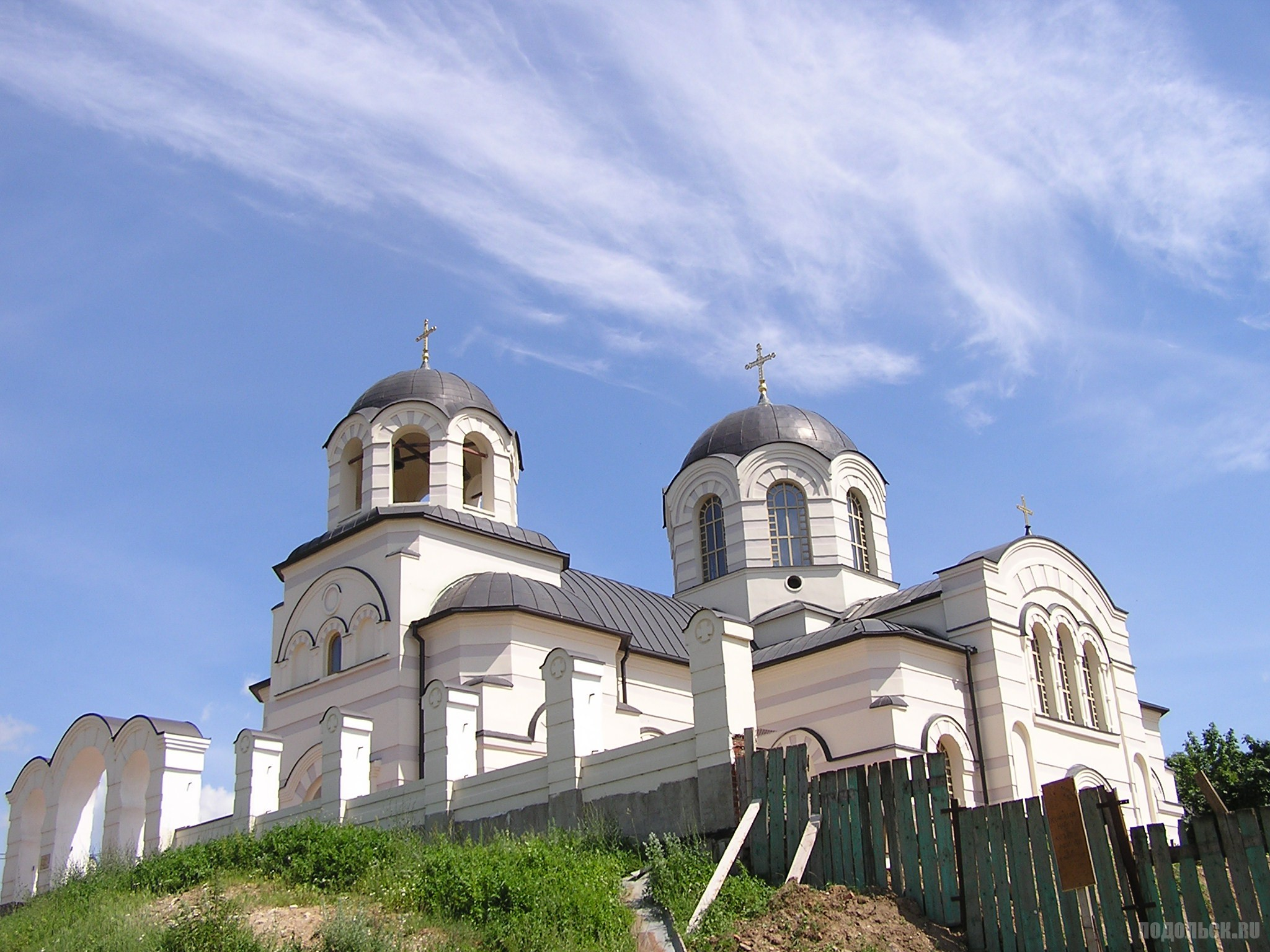 Храм Иоанна Богослова в Сынкове. Июнь 2016 г.