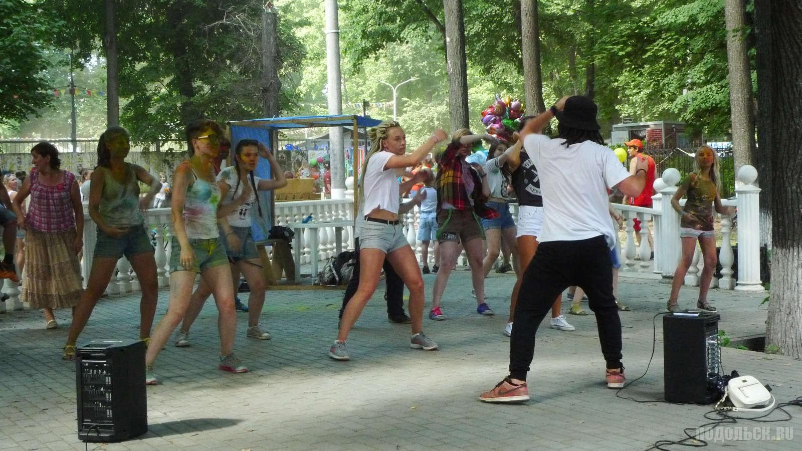 """Фестиваль """"Краски Подмосковья""""  Подростки, молодежь, дети, детский праздник, танцы."""