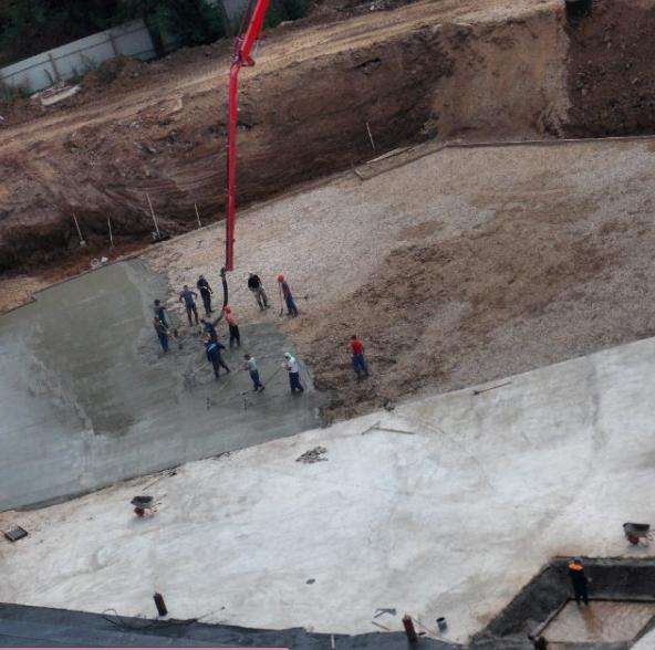 Строительство банного комплекса на улице Генерала Смирнова. Август 2016 г.