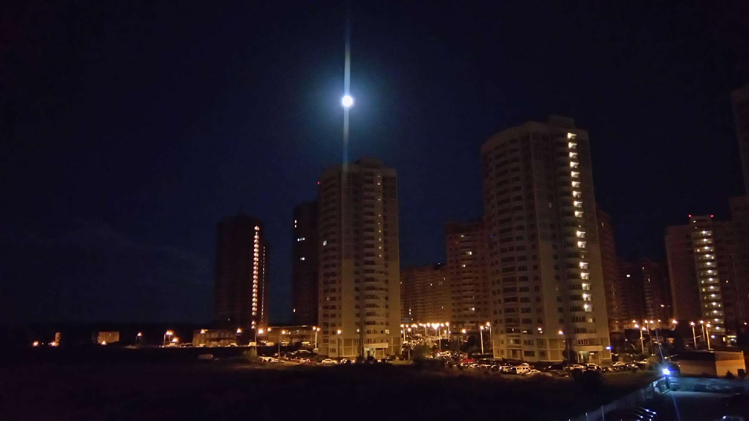 Вид на Кузнечики ночью