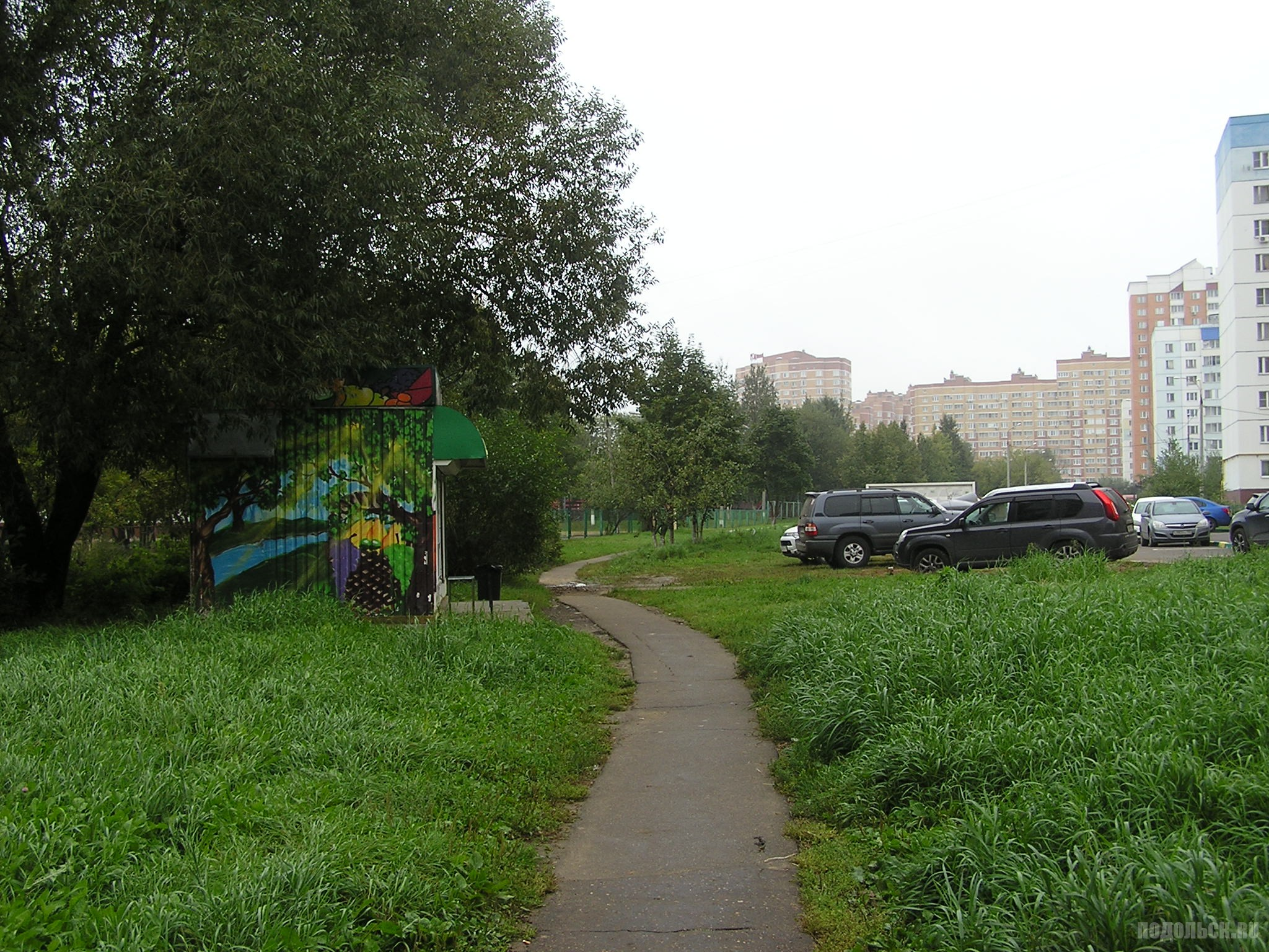 Московская улица, у дома 7. Овощной ларек. 18.09.16.