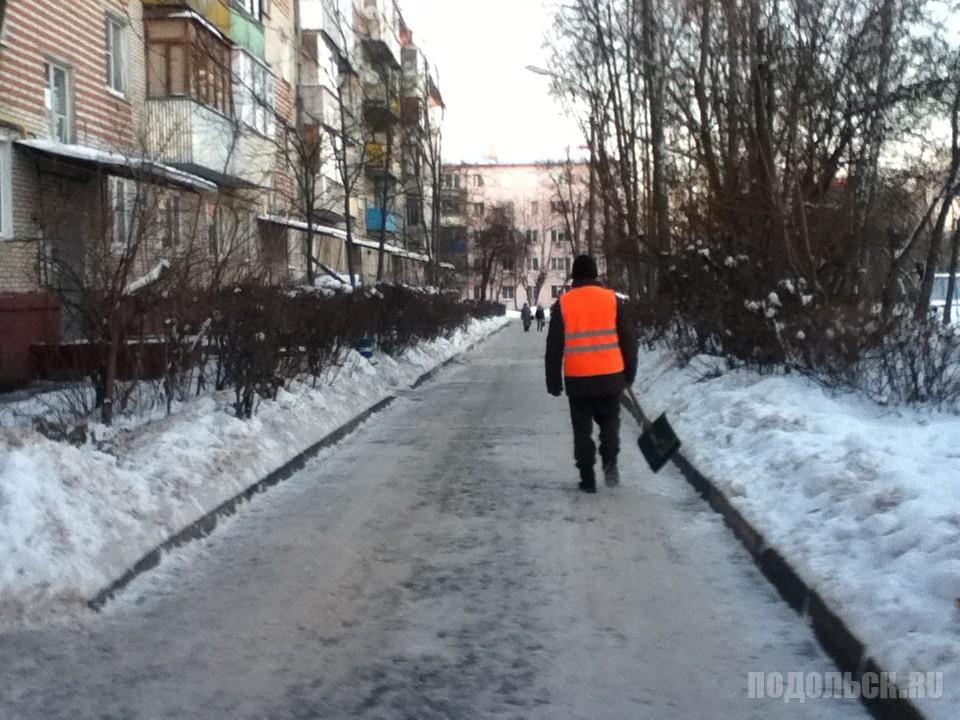 Зимний дворник. Климовск, 12.2016.