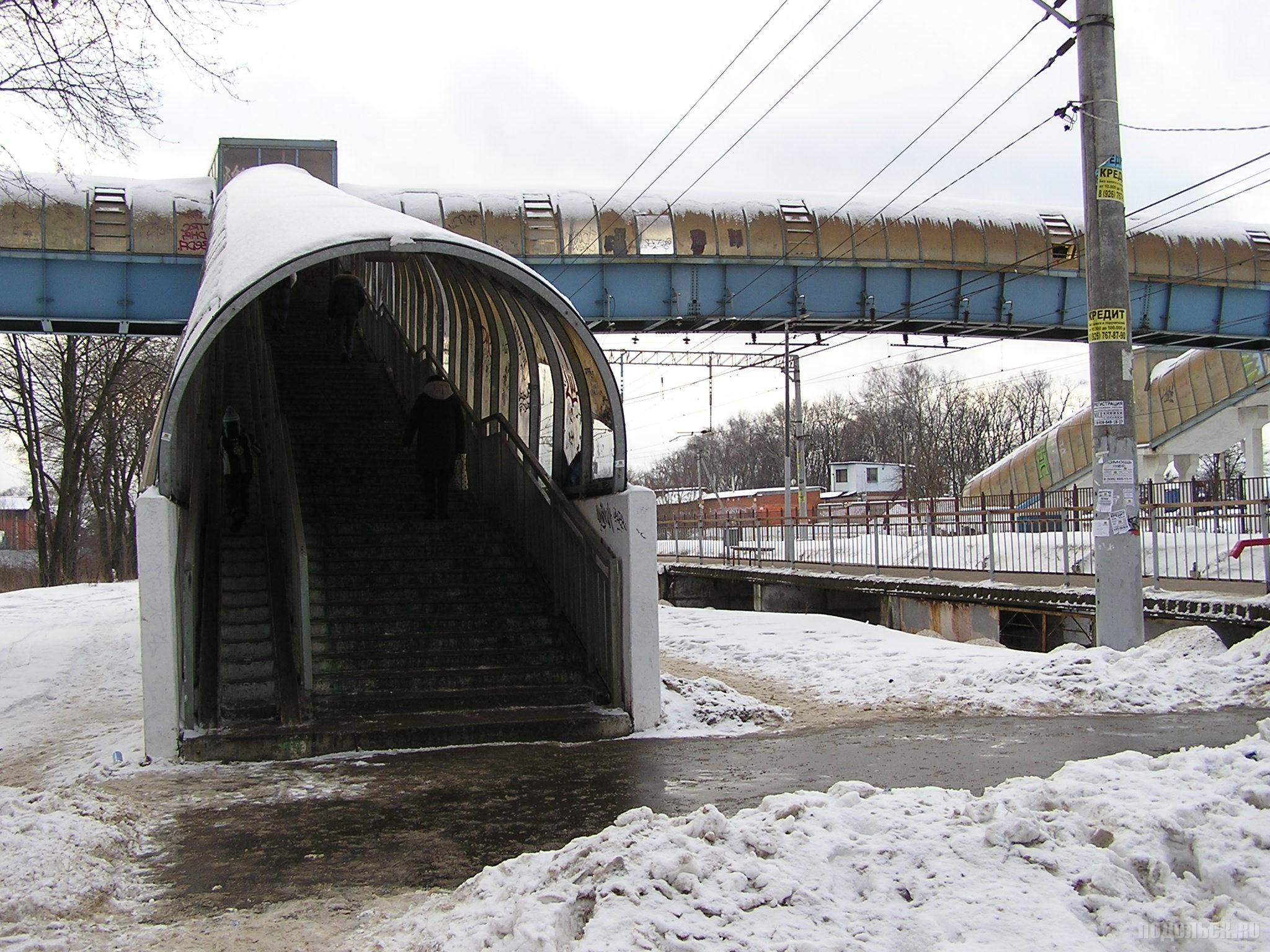 Надземный переход на Кутузовской. 24.12.2016.