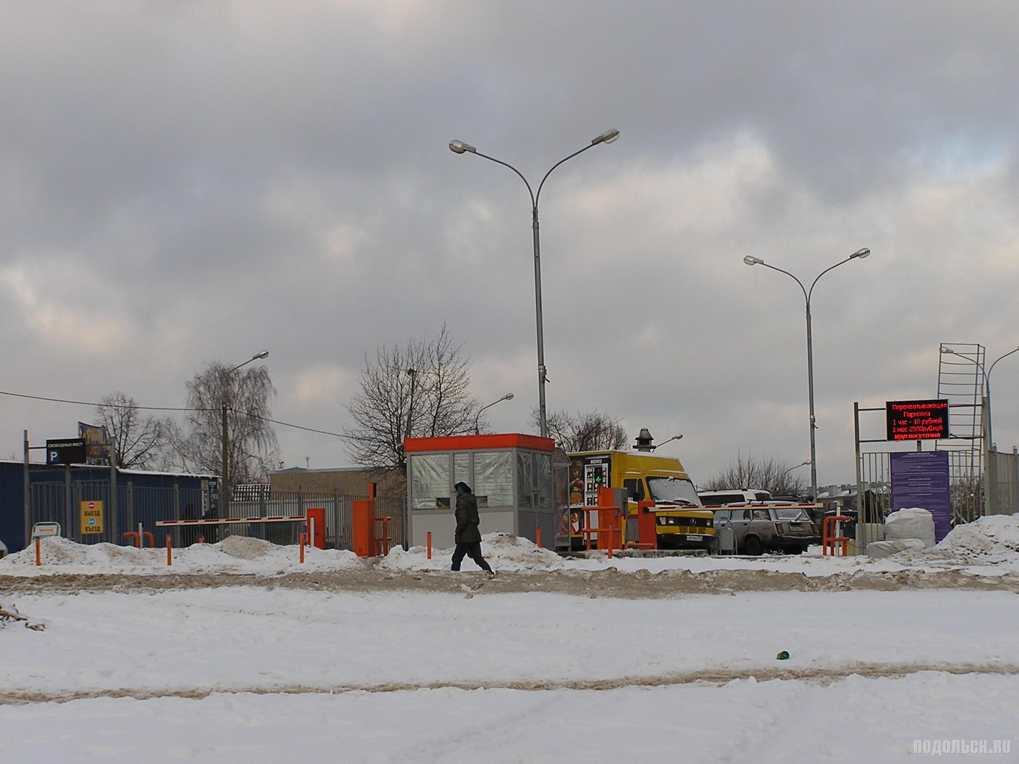 Перехватывающая парковка на Кутузовской. Декабрь 2016 г.