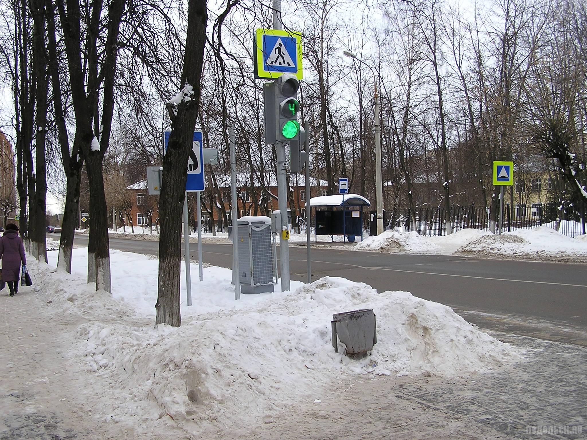 Пешеходный переход на Школьной улице. 21.01.2017.