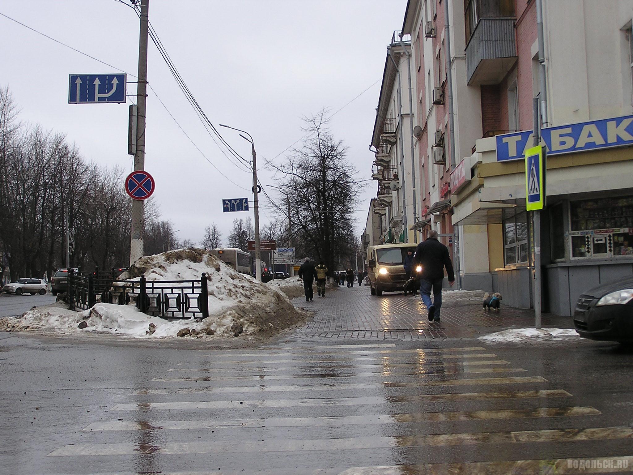 Проспект Ленина, перекресток с Февральской. 18.02.17.