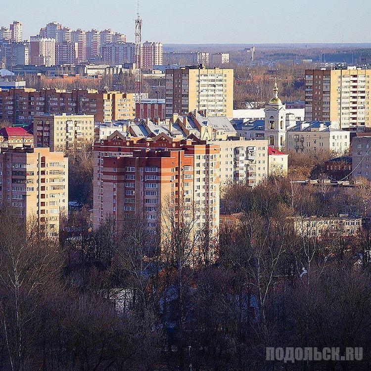 Вид на центр Подольска с Красной Горки. 23.03.2017.