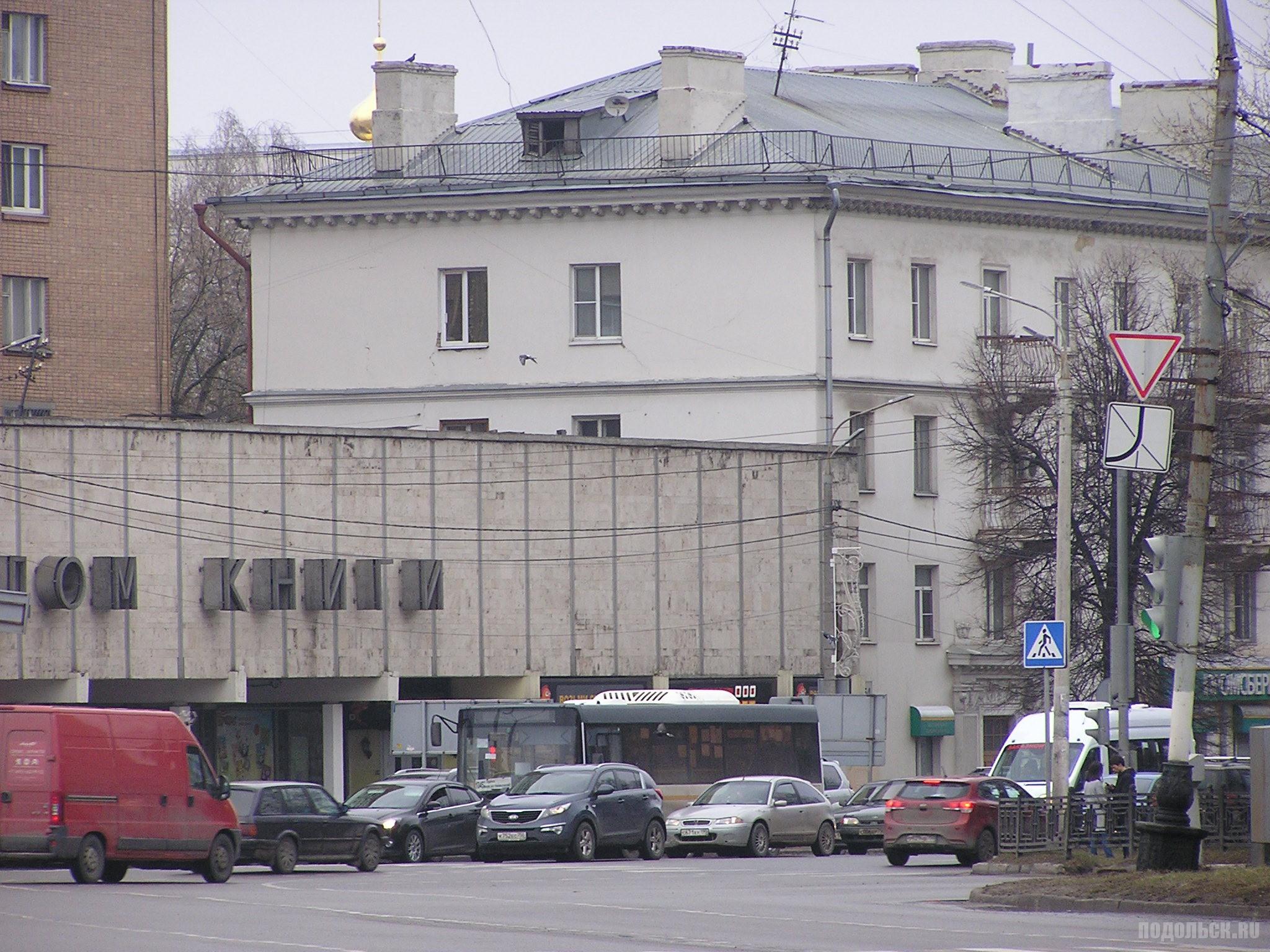 Проспект Ленина на площади. 2 апреля 2017.