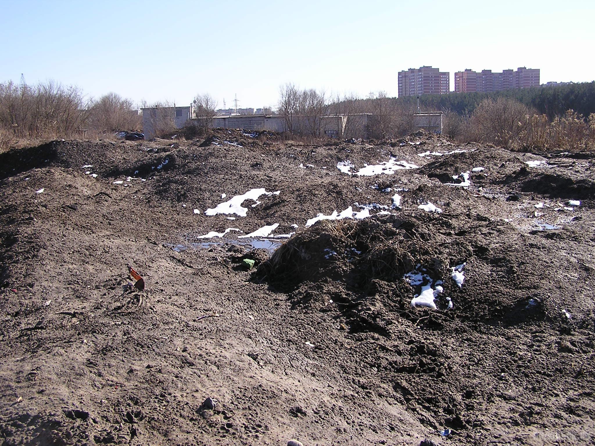 Снегосвалка в Сергеевке. 1 апреля 2017.