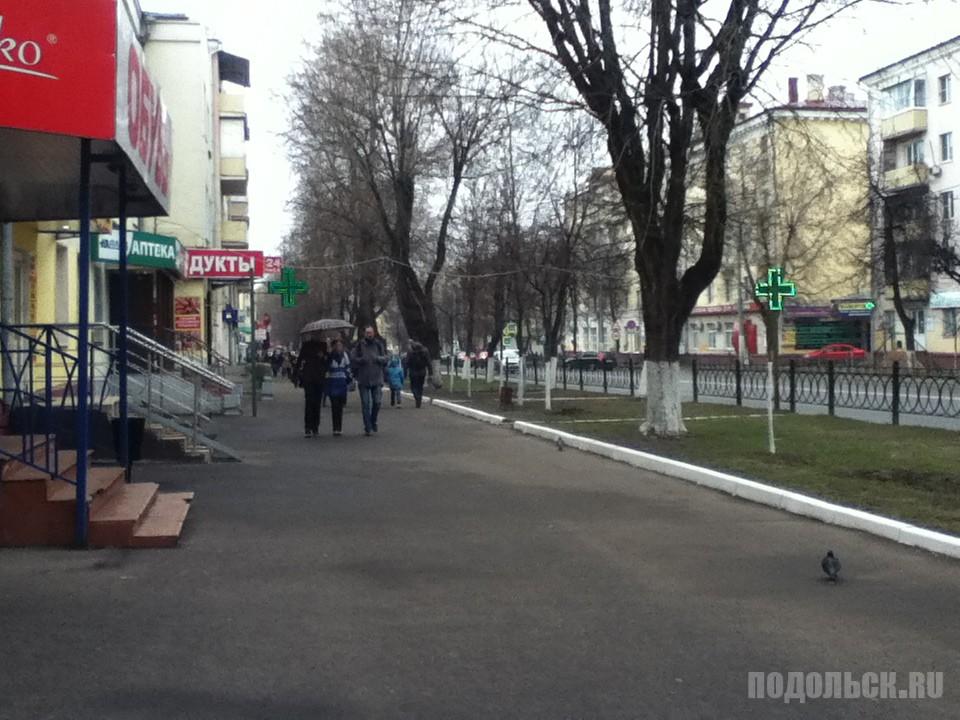 Зеленые крестики на Ревпроспекте. Апрель 2017.