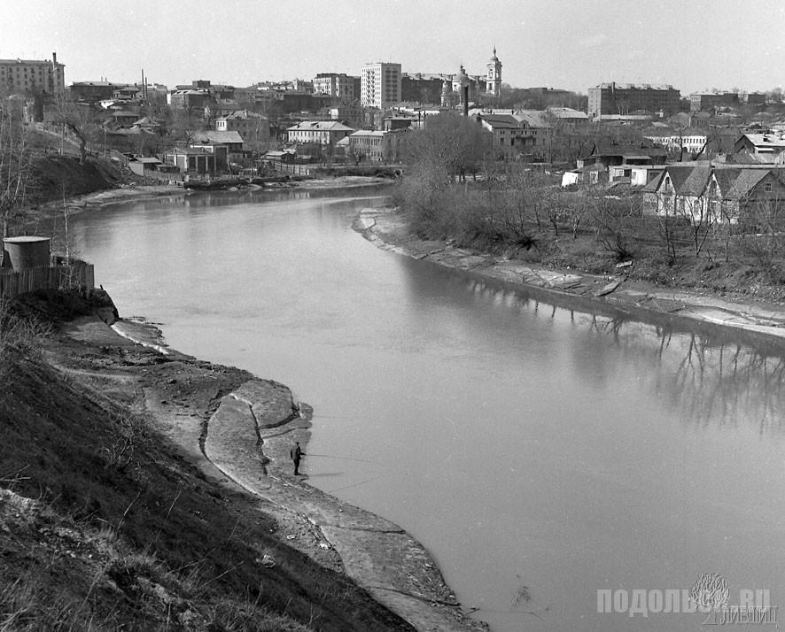 Вид на город из городского парка. Весна 1968 г.