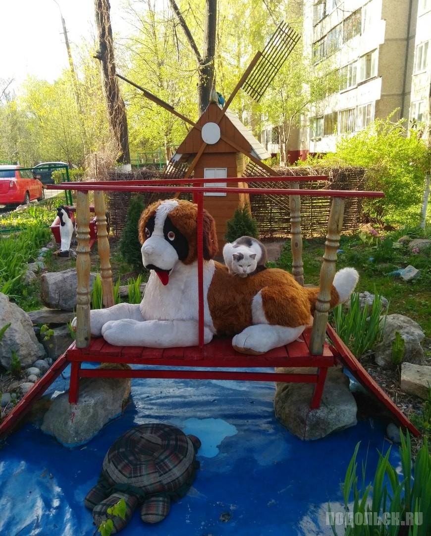 Двор на Парковой. Май 2017.