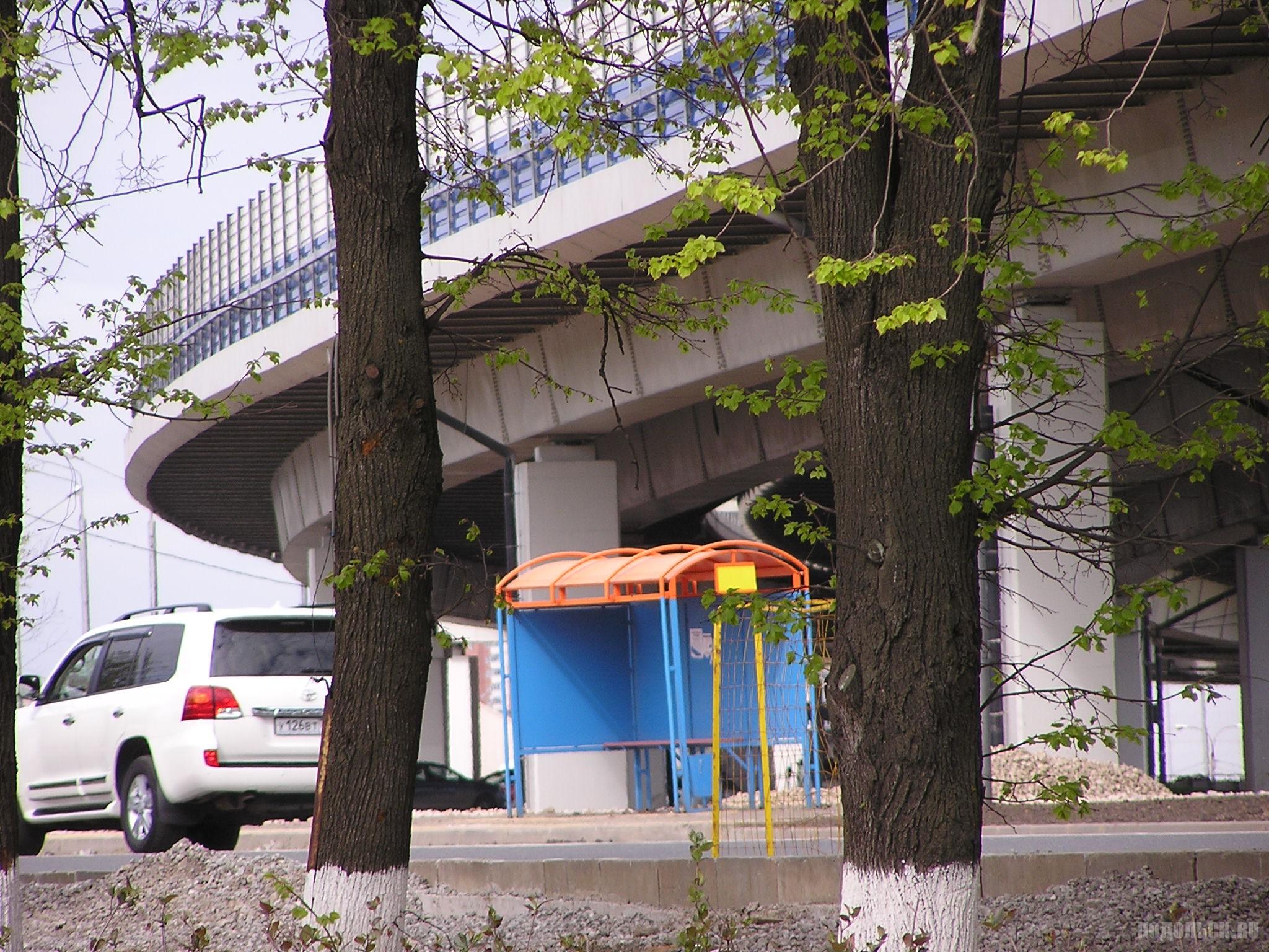Автобусная остановка на Весенней. 20 мая 2017.