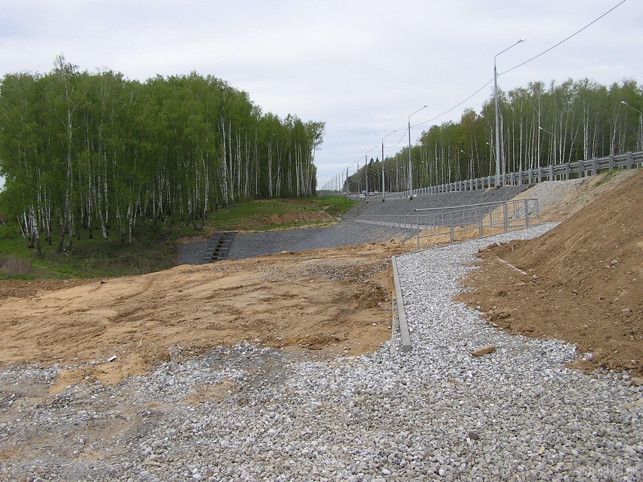 Новая дорога вдоль ЮО у Сергеевки. Май 2017.