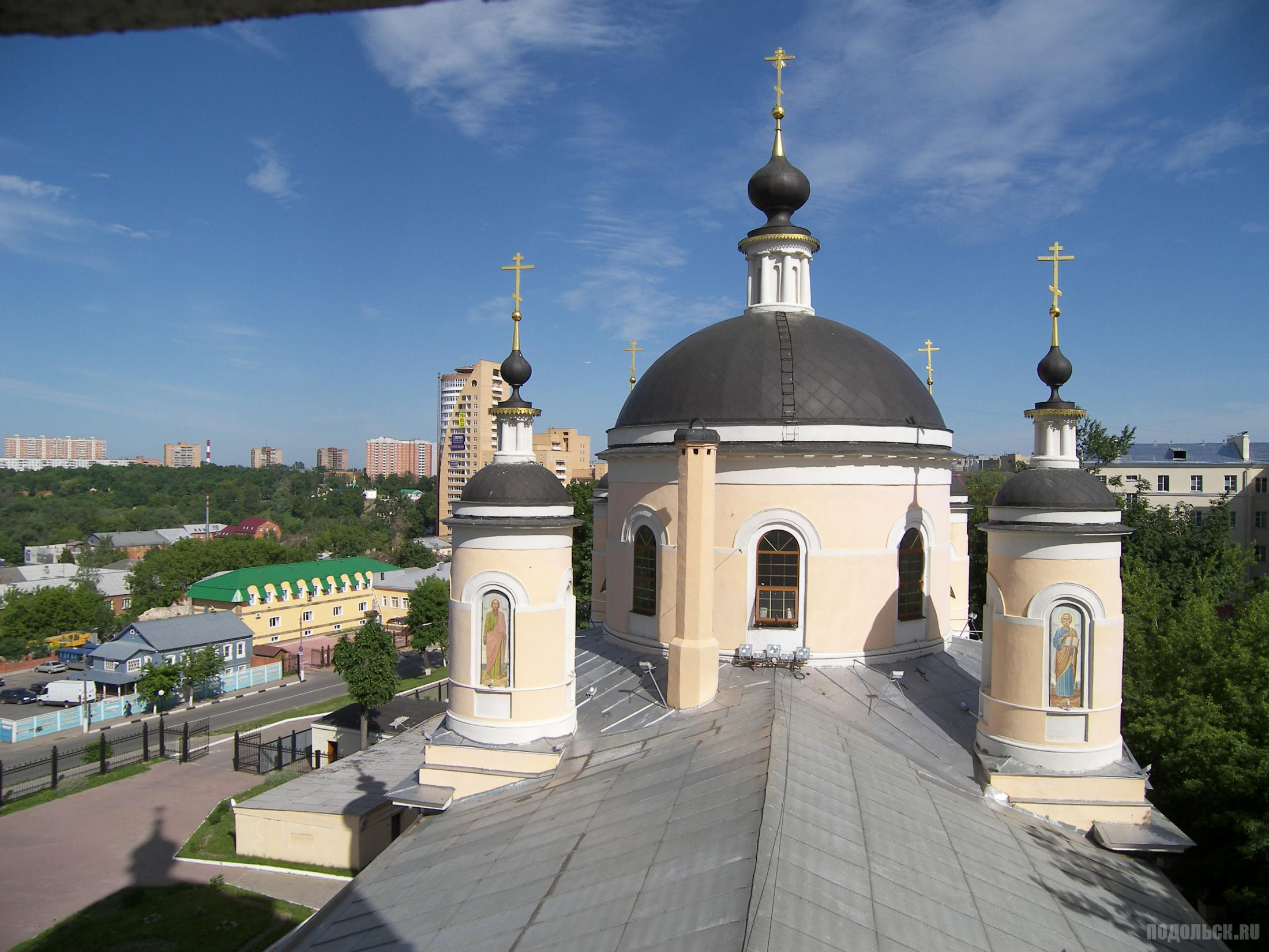 Вид с колокольни Троицкого собора.