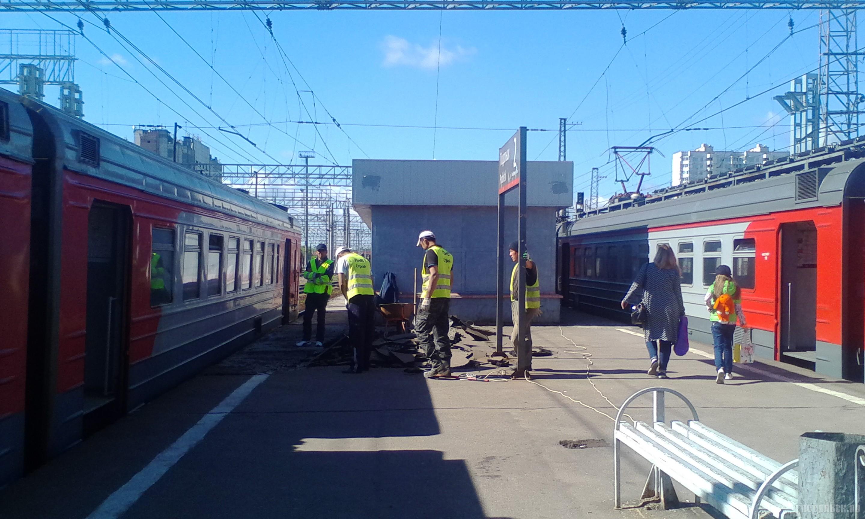 Ремонт платформы на станции Подольск. 24 июня 2017.