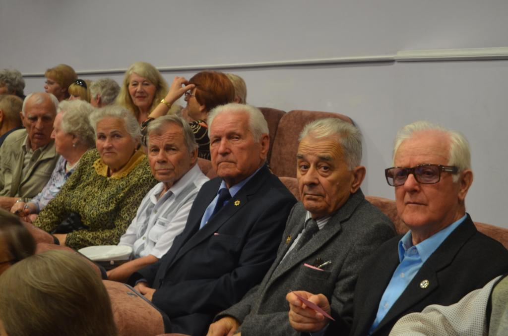 Ветераны на конференции.