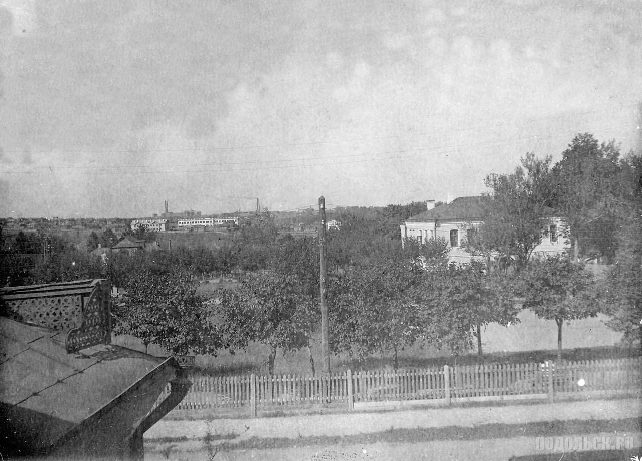Вид с домов по Февральской улице на Красную Горку. 1934 г.