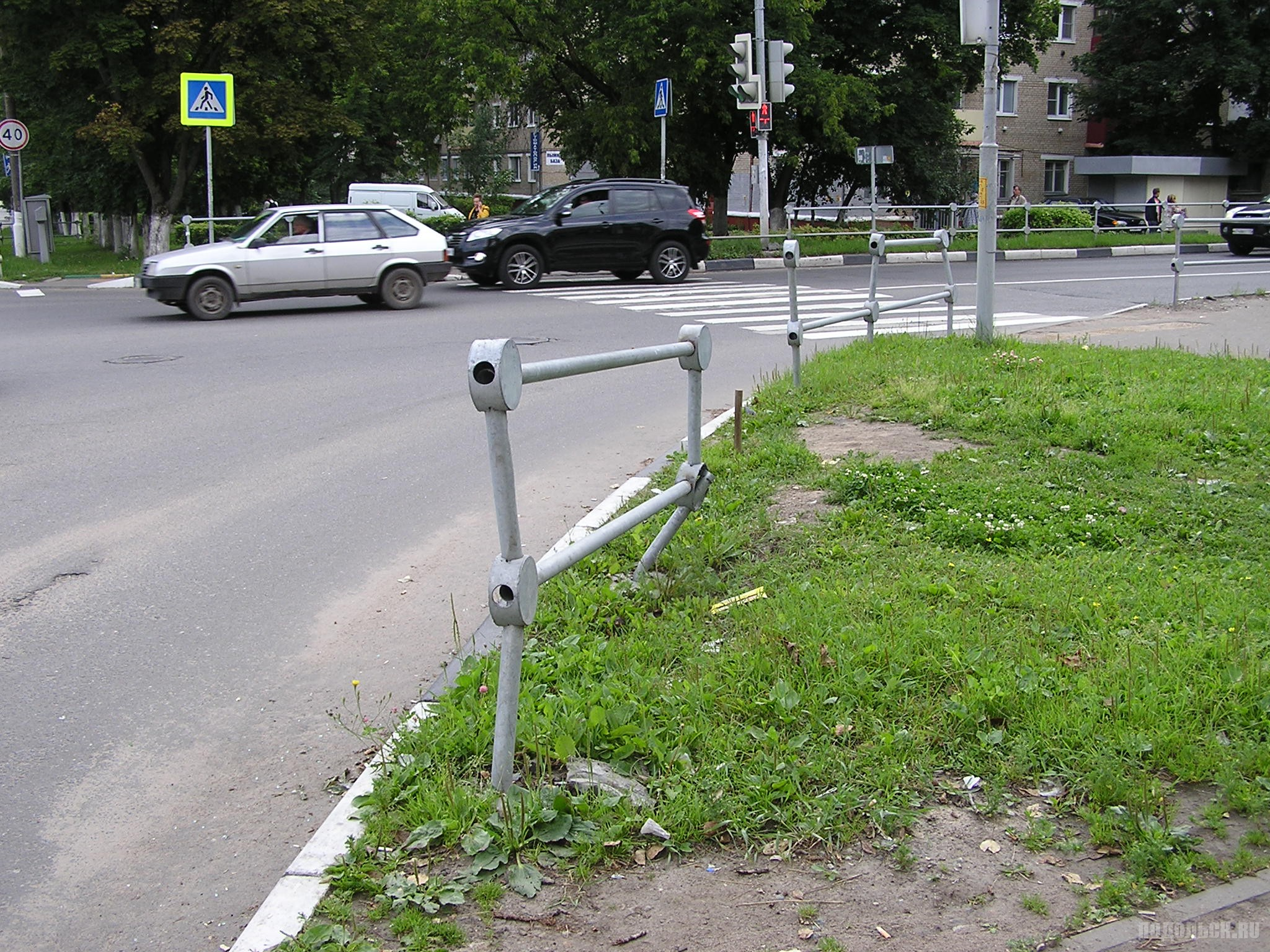 """""""Консервный"""" забор на улице Свердлова. Июль 2017."""