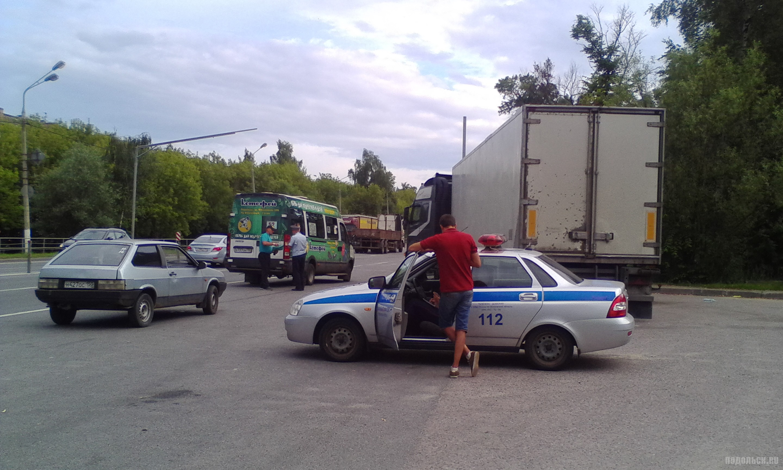 Проверка документов, ДПС на Симферопольской улице. Июль 2017.