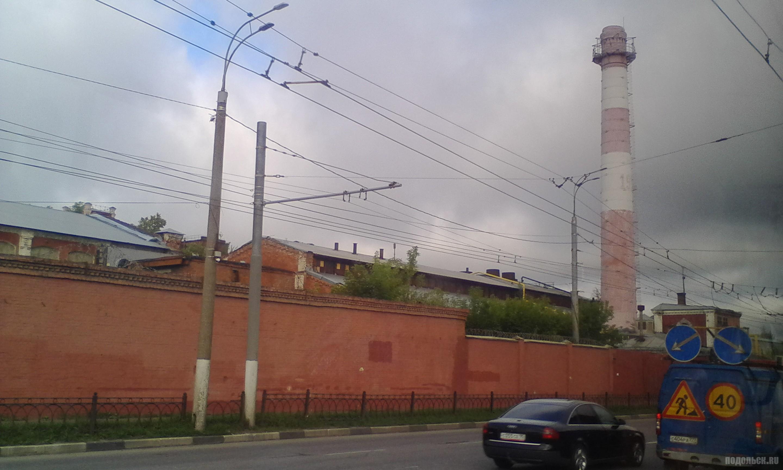 """Зингер"", труба. Комсомольская улица. Июль 2017."