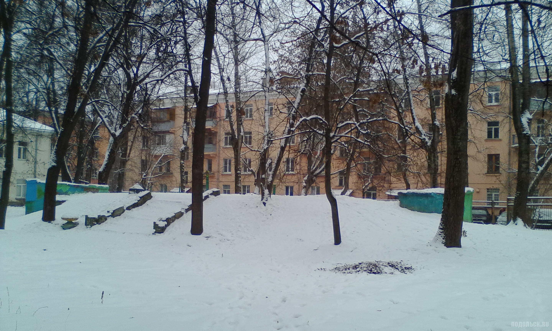Крыша бомбоубежища на Заводской улице. 9 декабря 2017 г.