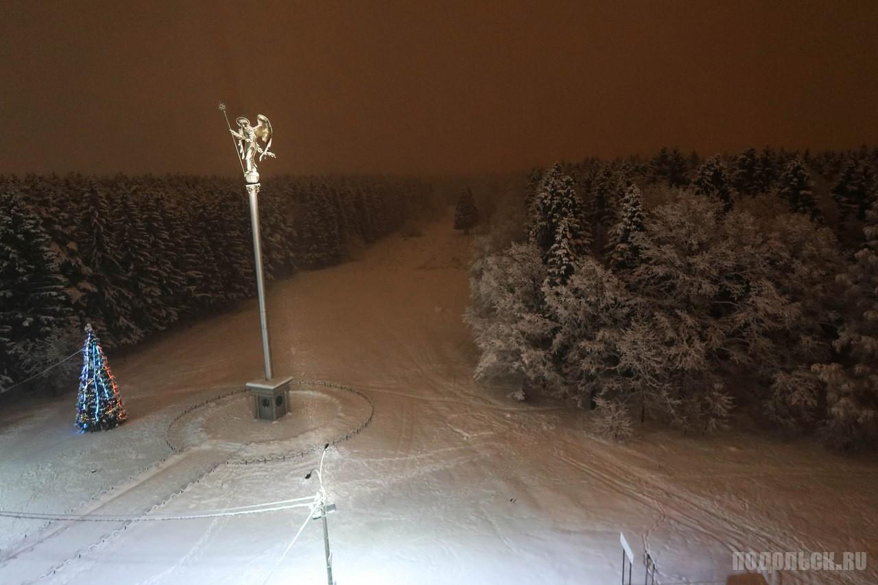 Стела в мкр Кутузово. Январь 2018
