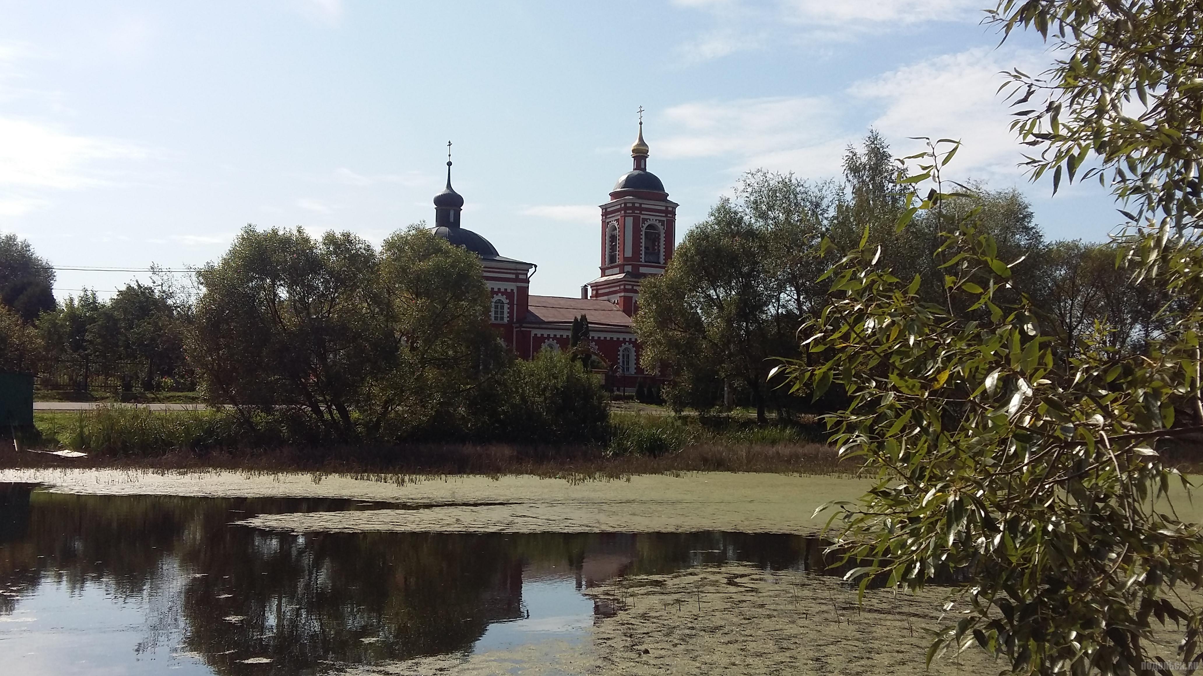 Храм Воскресения Словущего. Село Сертякино. Сентябрь 2018