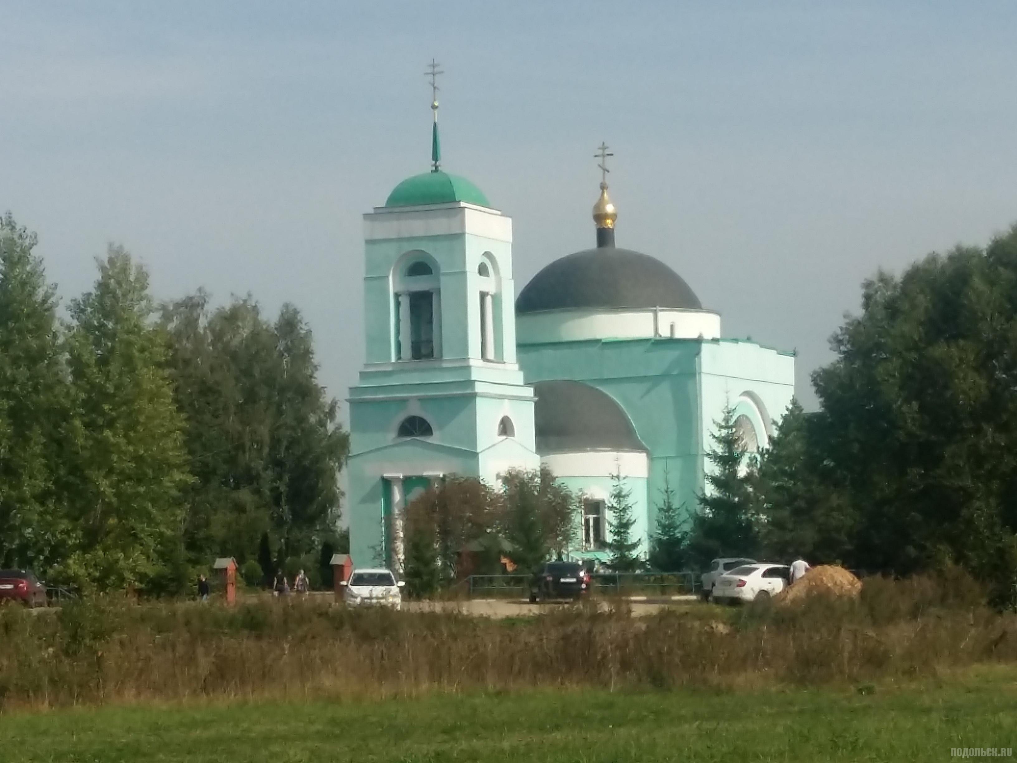 Троицкий храм в д. Коледино. Сентябрь 2018