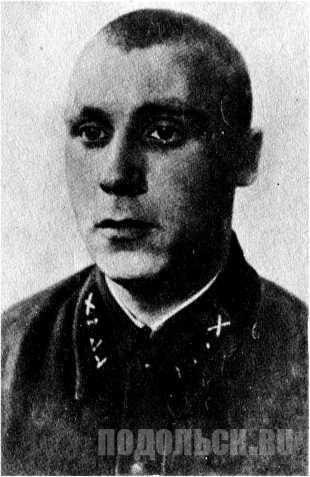 Старший сержант Алешкин Афанасий Иванович. Командир взвода курсантов ПАУ