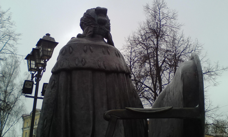 Памятник Екатерине Великой. Март 2019