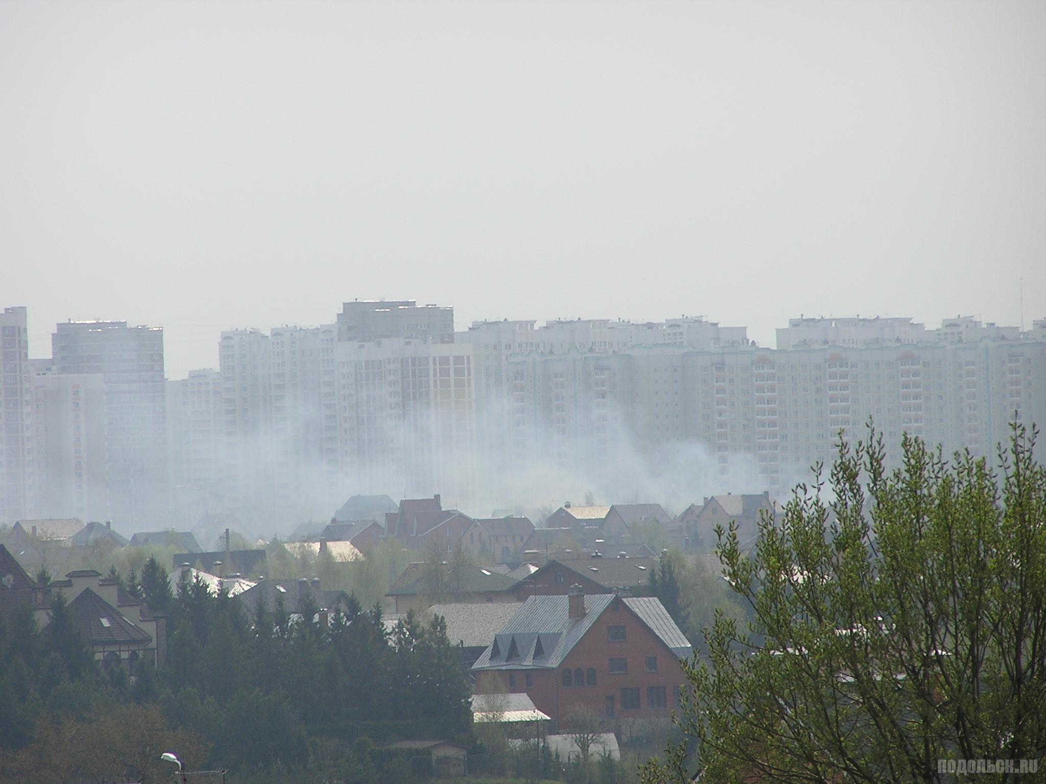 Дым от пожара в Докукине. 27.04.2019