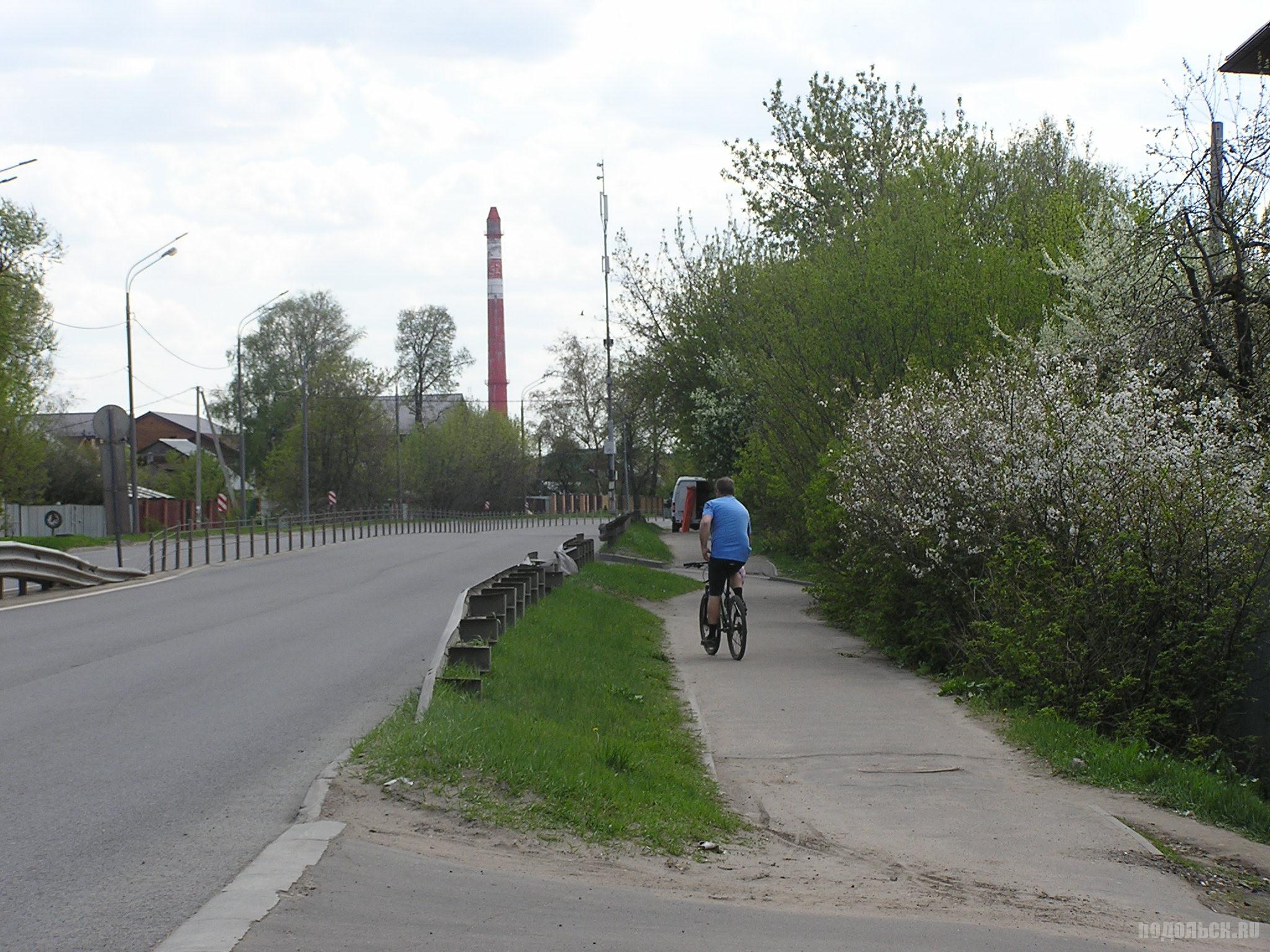 Б. Серпуховская улица у дома 100. 6 мая 2019